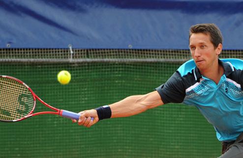 Стаховский вышел в четвертьфинал турнира в Уинстон-Салеме