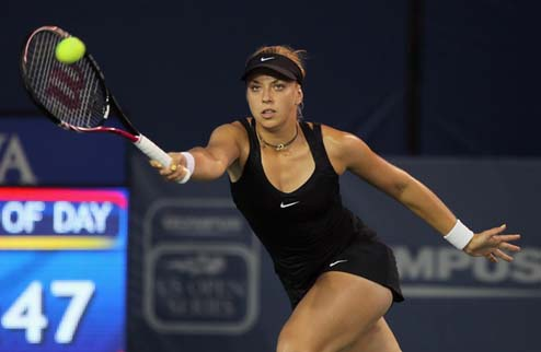 Лисицки не пустила К.Бондаренко в полуфинал в Далласе