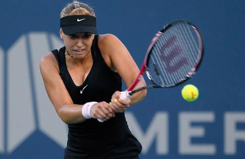 Лисицки разгромила Бегу в полуфинале в Далласе
