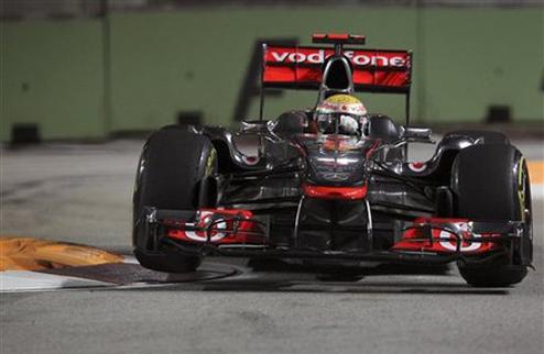 Гран-при Сингапура. Практика № 1. Хэмилтон выигрывает сокращенную сессию
