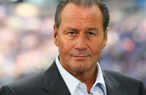 Официально: Стевенс — новый тренер Шальке