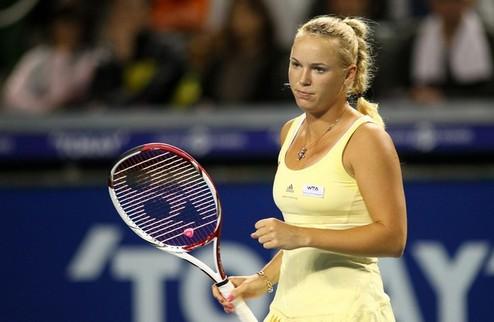 Токио (WTA). Возняцки выходит в третий круг