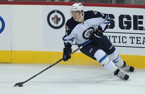 НХЛ. Виннипег подписал форварда с драфта-2011