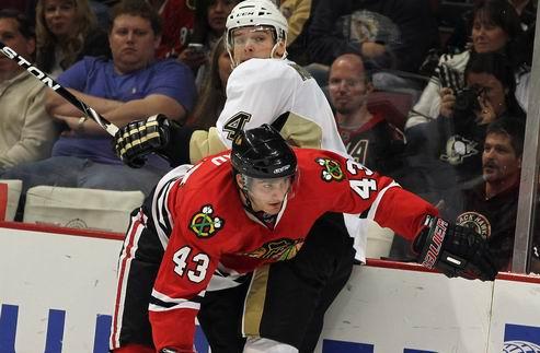 НХЛ. Чикаго ведет переговоры с молодым нападающим