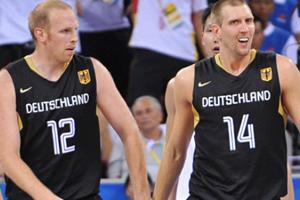 Бавария охотится за Новицки и Каманом