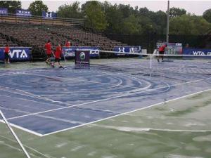 Четвертьфиналы в Осаке перенесены из-за дождя