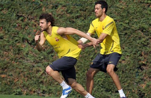 Фабрегас и Санчес приступили к тренировкам