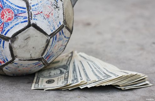 Барса и Реал не хотят делиться деньгами