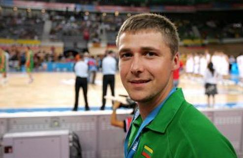 Днепр-Азот возглавил 34-летний литовец