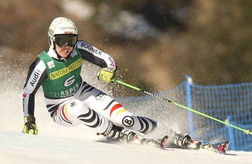 Горные лыжи. Ребенсбург выигрывает в Аспене