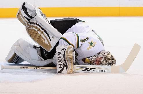 НХЛ. Даллас теряет вратаря и защитника