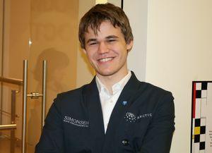 Шахматы. Карлсен захватил лидерство в Лондоне