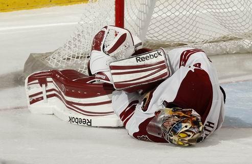 НХЛ. Финикс теряет основного вратаря