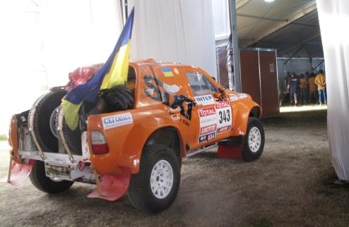 SIXT UKRAINE стартовала на подиуме Дакара-2012