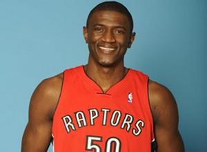 НБА. Торонто возвращает центрового