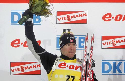 Биатлон. Свендсен выигрывает в Холменколлене