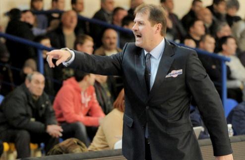 Азовмаш: смена тренера и ротация в составе