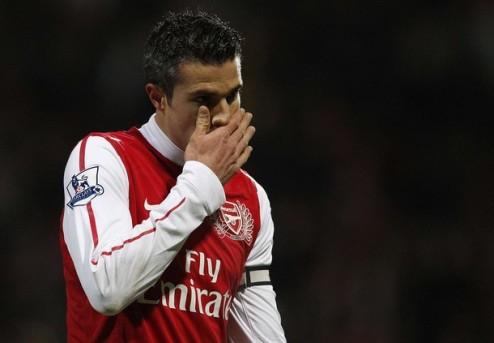 Ван Перси отрицает интерес Реала
