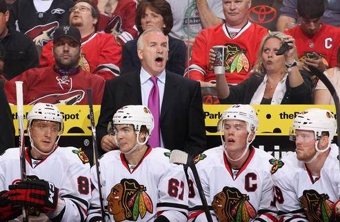 НХЛ. Чикаго не собирается менять тренера