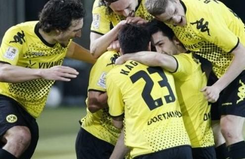Дортмунд убегает от Баварии + ВИДЕО