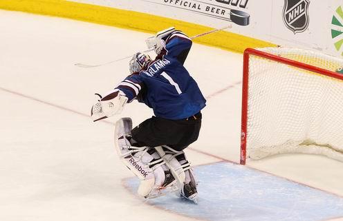 НХЛ. Варламов — первая звезда дня