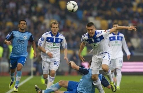 Динамо разбирается дома с Днепром