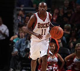 НБА. Хьюстон продлит Бойкинса