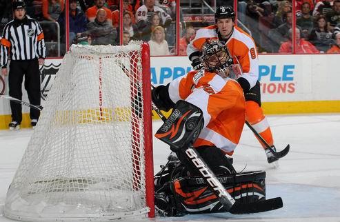 НХЛ. Брызгалов — первая звезда месяца