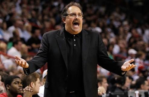 НБА. Ховард требует увольнения Ван Ганди