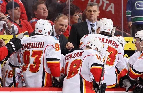 НХЛ. Тренер Калгари хотел бы остаться в команде