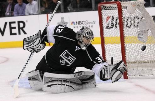 НХЛ. Квик — первая звезда дня