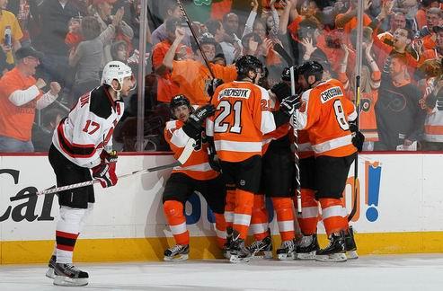НХЛ. Победа Филадельфии в овертайме, успех Финикса