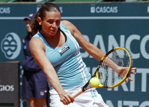 Эшторил (WTA). Винчи и Петрова одержали победы