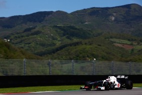 Формула-1. Кобаяси: продолжаем подготовку к Барселоне