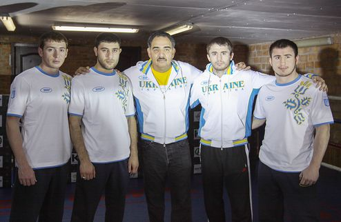 Головкин и Байсангуров провели открытую тренировку