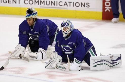 НХЛ. Ванкувер может оставить Люонго и Шнайдера в команде