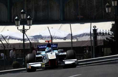 GP2. Монако. Чекотто впервые на поуле