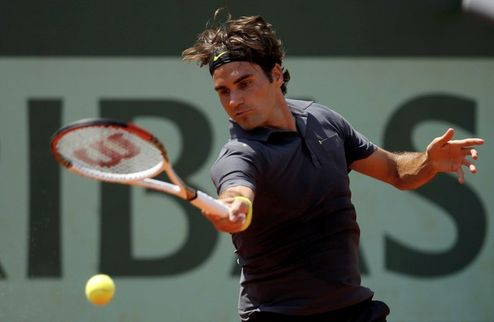 Ролан Гаррос. Федерер на классе разобрался с Камке