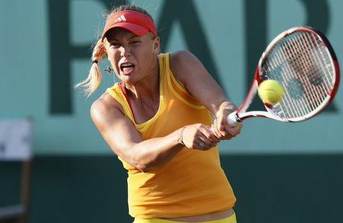 Ролан Гаррос (WTA). Возняцки и Кириленко дарят разгромы