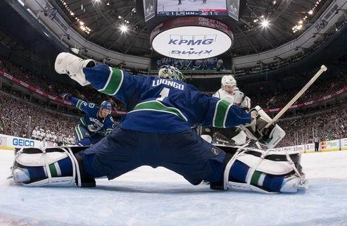 НХЛ. Ванкувер: многим нужен Люонго