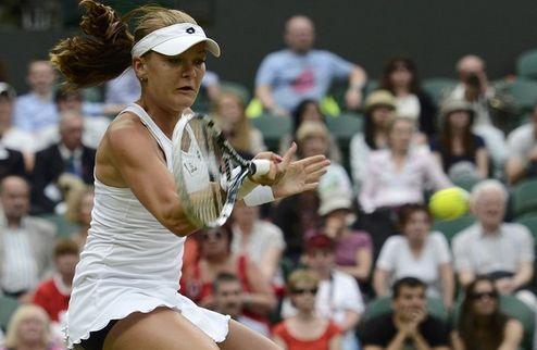 Уимблдон (WTA). Радваньска расправилась с Уотсон, cенсация от Петровой