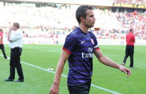 Венгер: ван Перси — игрок Арсенала