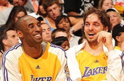 """НБА. Брайант: """"Пау остается в Лейкерс"""""""