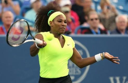 Цинциннати (WTA). Проблемы А.Радваньской, успех сестер Уильямс