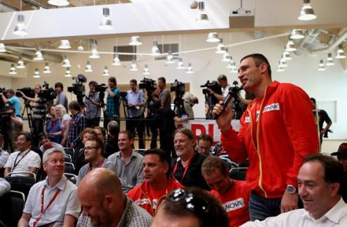 "Вит. Кличко: ""Чарр пришел за моим чемпионским поясом"""