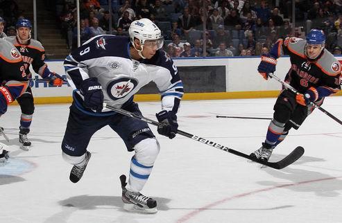 НХЛ. Виннипег успел подписать Эвандера Кэйна