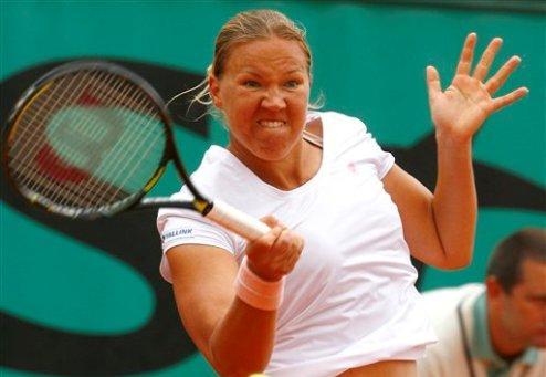 Сеул (WTA). Возняцки побеждает