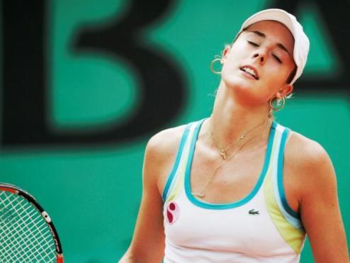 Гуанчжоу (WTA). Корне и Радваньска идут дальше