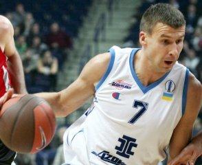 Серапинас — игрок Азовмаша