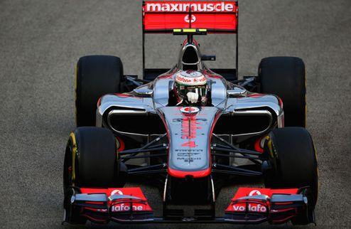 Формула-1. Гран-при Сингапура. Поул Хэмилтона, первый ряд Мальдонадо